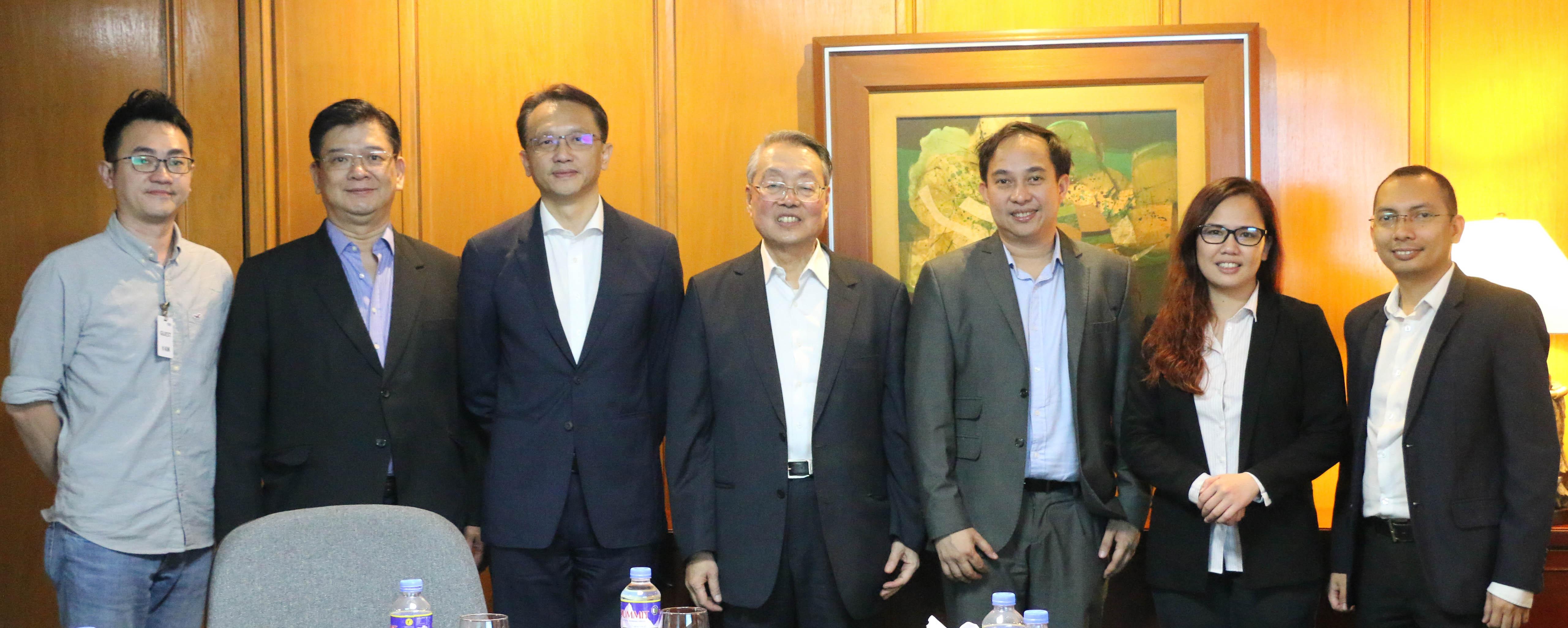 The Acer team with the ACCeSs@AIM team