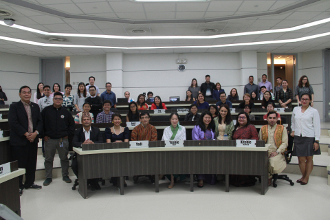 Master in Development Management Class of 2018 students (front row) and attendees at the Sustainable Development Goals peer class.